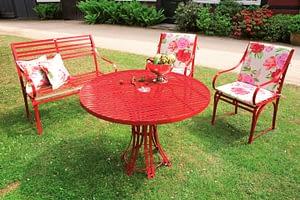Gartentischgruppe Riviera aus witterungsbeständigem Edelstahl in Rot